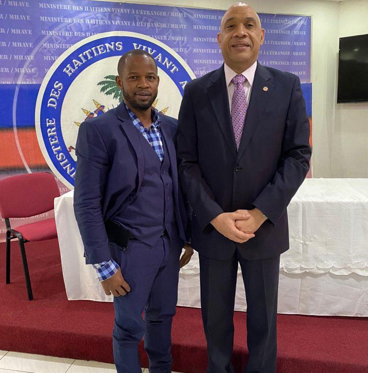 PIERRE NORAME/ EL FUNDADOR DE I CLEAN HAITI CON EL MINISTRO LOUIS GONZAGUE EDNER DAY